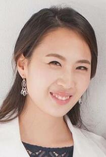 Dr. Laura Chang